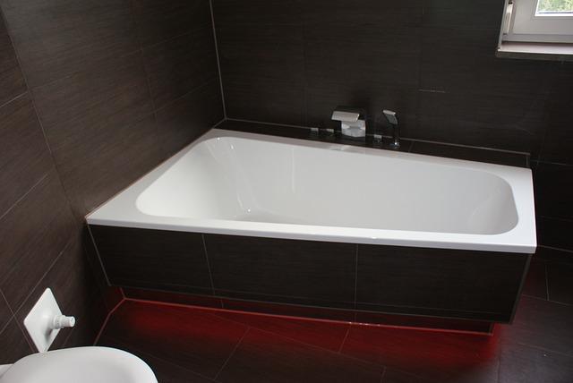 Dimensioni Di Una Vasca Da Bagno : Come scegliere la vasca nel bagno di casa